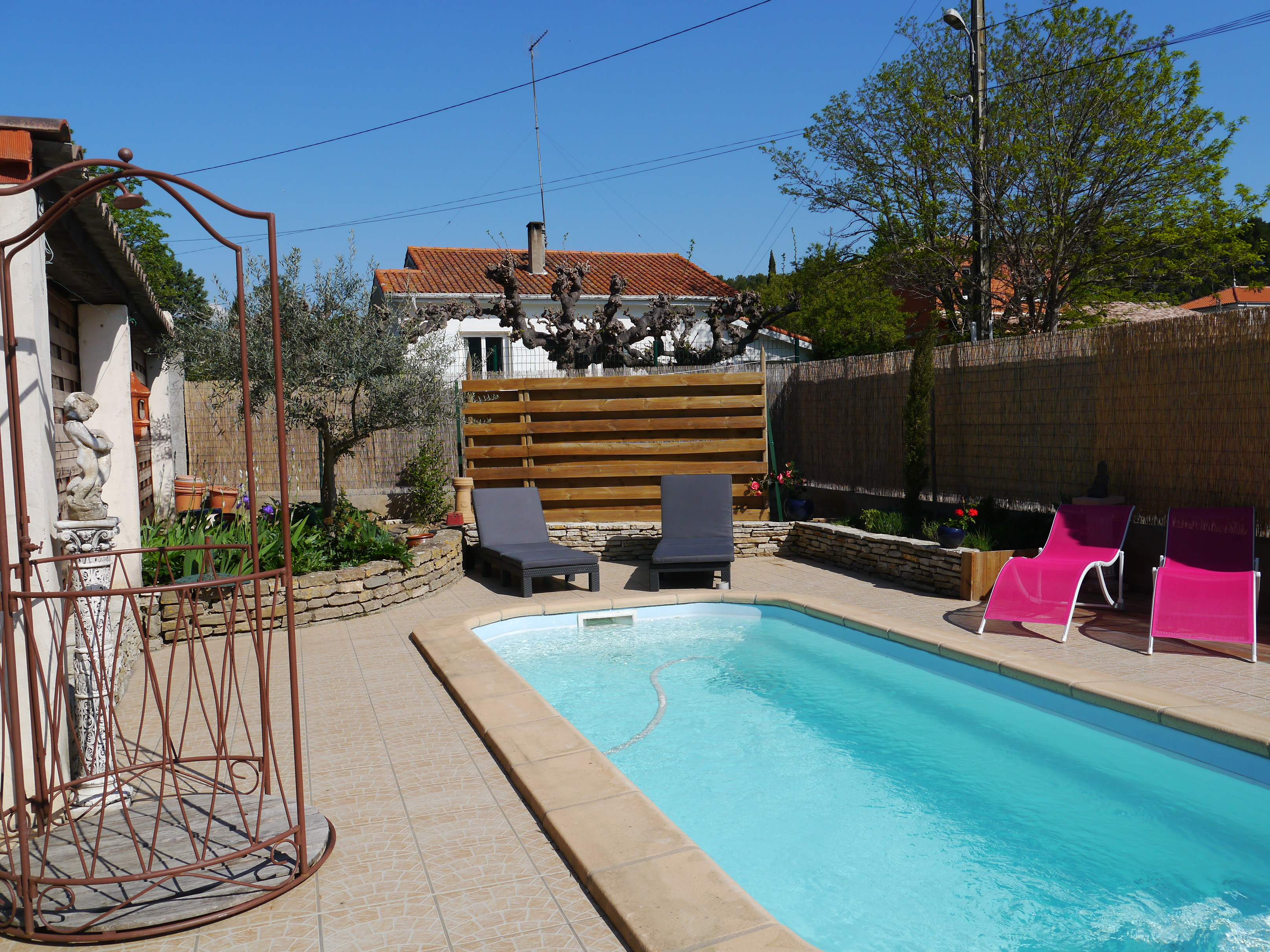 Beautifully Renovated Chambre d Hotes or Family Home – Cathar